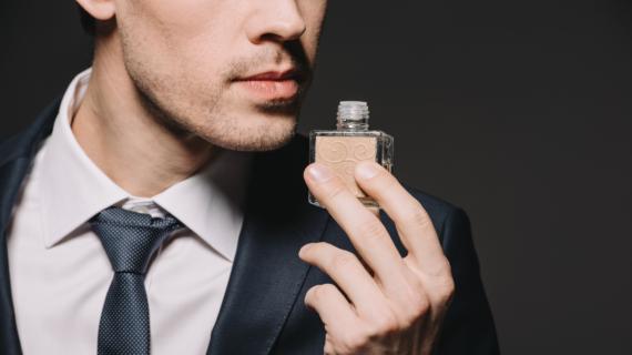 7 Rekomendasi Parfum Pria Yang Sudah Terbukti Tahan Lama